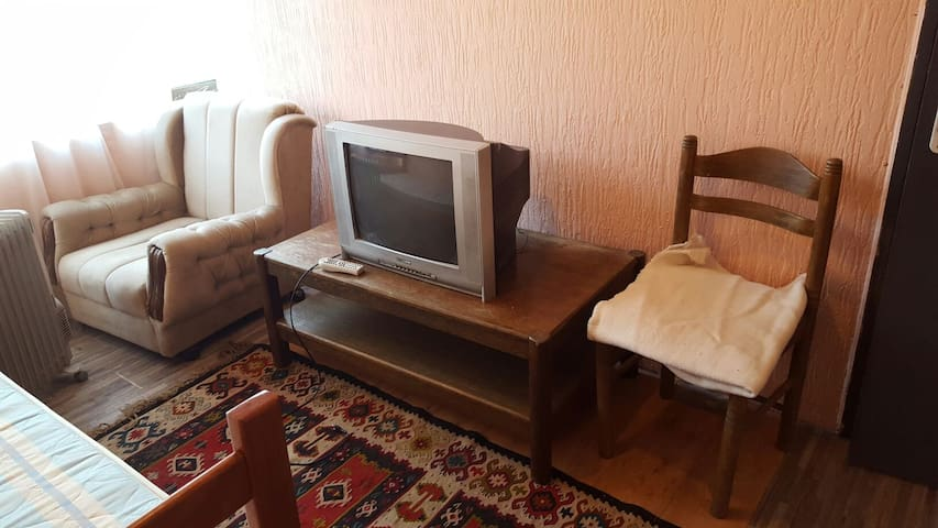 VERY CHEAP (long stay we make deal) - Београд - House