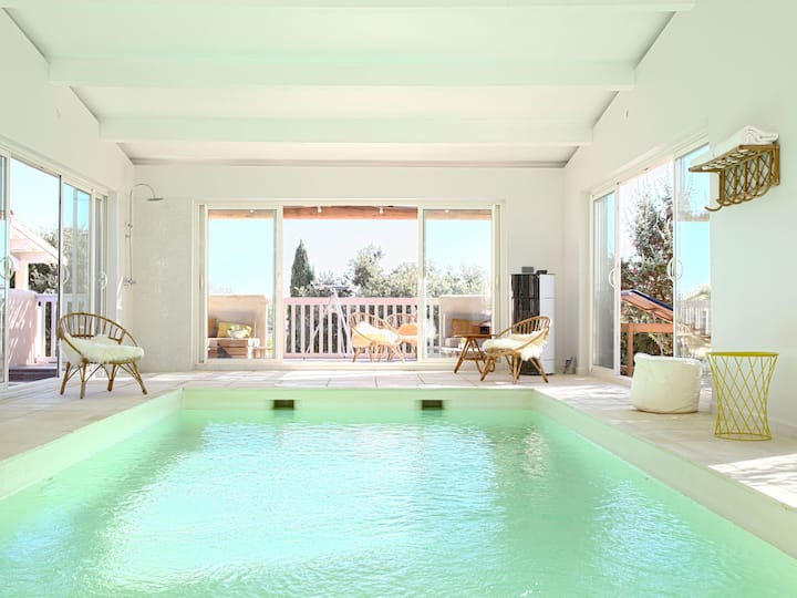 Les Petits Gardons, villa with indoor pool