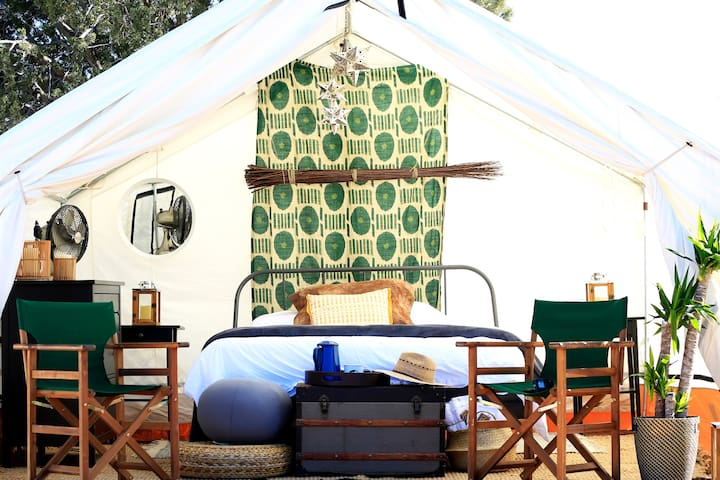 Out of Africa Glamping Safari - Virunga Tent