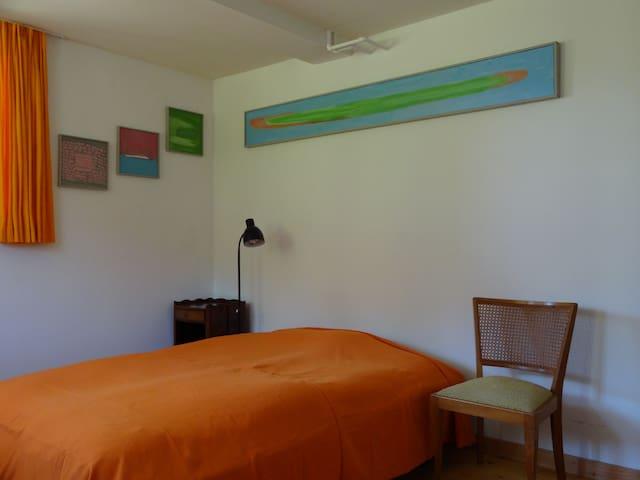 seperates Gästezimmer in Einfamilienhaus - Hilterfingen - Apartment