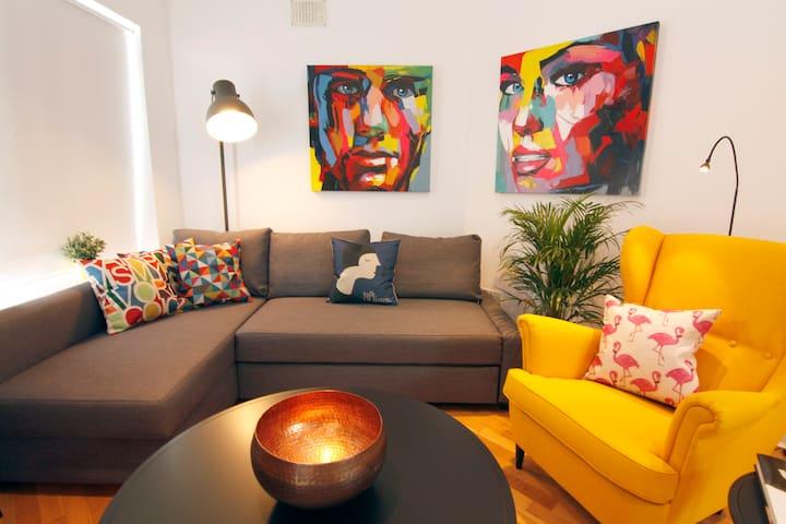 ArtPOP! Bright, Funky, Modern - Galway - Apartment