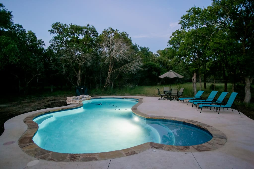 Brand new pool with tanning deck, gas grill, umbrellas, a 4-top table and 4 lounge chairs. Floats also provided.