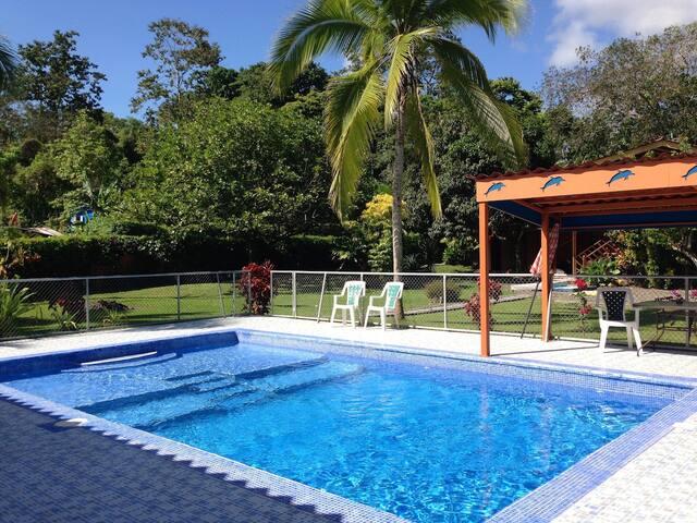 Pool - AC - Garden House Margarita