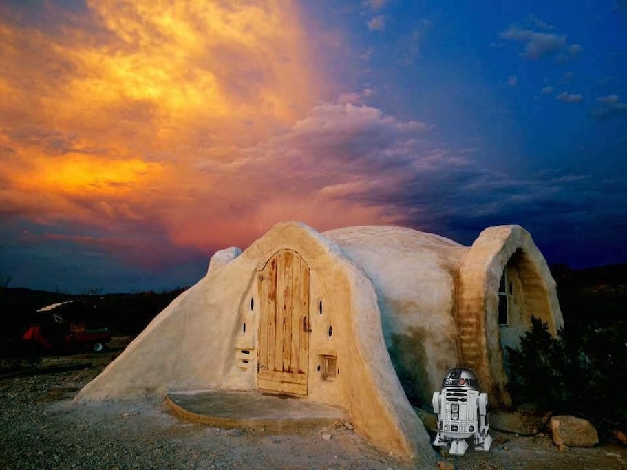 The lime plaster curing on the dome. My friend Anna photoshopped in R2D2, so don't expect to see him there. You can expect stellar sunsets though.