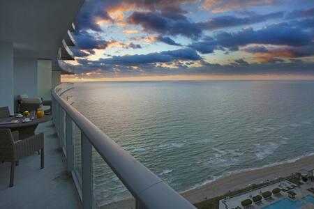 Sea, City, Sun, views and wonderful surroundings