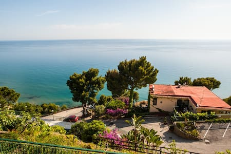 Seaview Apartment with shared pool - san mauro cilento - Διαμέρισμα