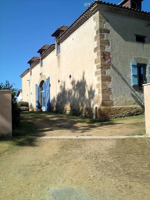 Maison d 39 h tes le chai d 39 armagnac maison d 39 h tes louer for Maison hote pyrenees