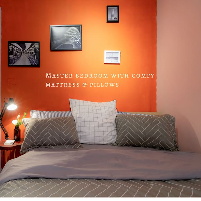 Spacious Master Bedroom with Queen-bed size & ensuite bathroom