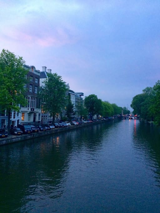 view from the bridge over the Nieuwe Herengracht