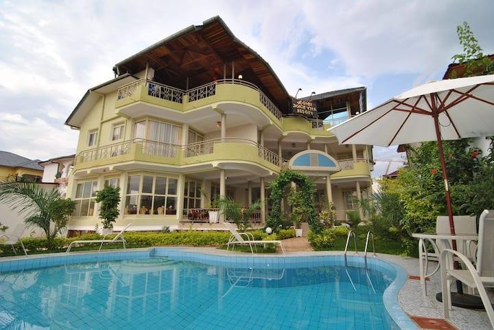 Charmant & Paisible Hôtel 4 étoiles à Bujumbura