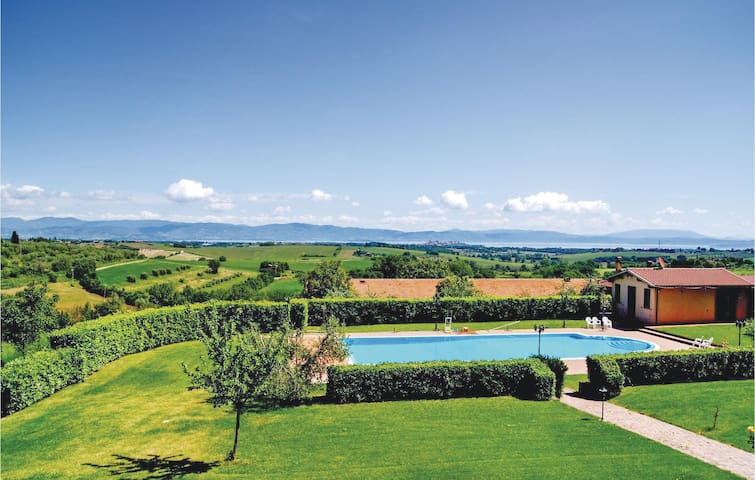 Holiday apartment with 1 bedroom on 50m² in Castiglion del Lago PG