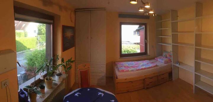 Zimmer mit integrierter Mini-Küche