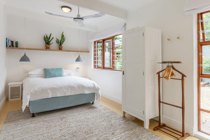 Garden Apartment in Sea Point