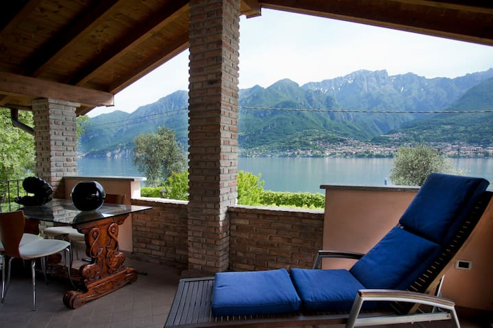 House on Lake of Como with beach - Onno