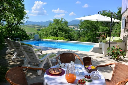 Villa la chiesetta private pool- Canapegna village