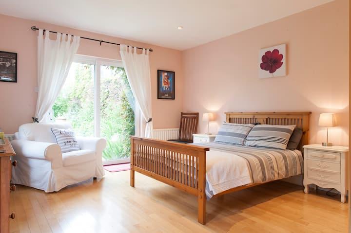 Private en-suite room, own entrance