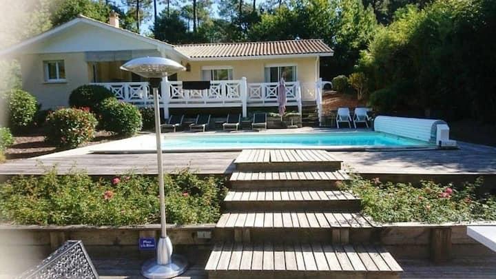 Belle Villa avec piscine dans le domaine du Golf (129)