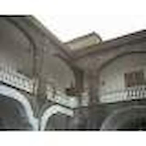 Prestigioso Palazzo 1800 - Camigliano - Vila