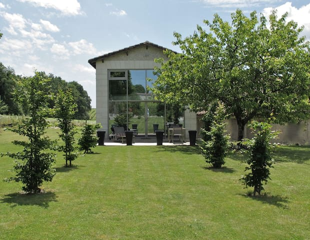 Modern Barn at Bois Blanc - Cognac - House