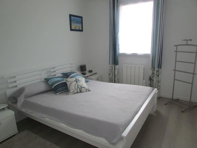 Chambre privée avec salle de bain - Bruz