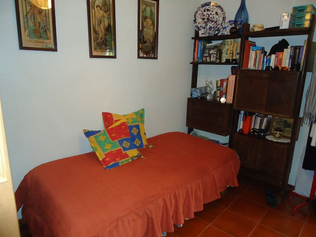 Room Aveiro central - Aveiro - Bed & Breakfast