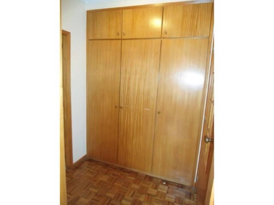 Hall acesso aos quartos e casa de banho