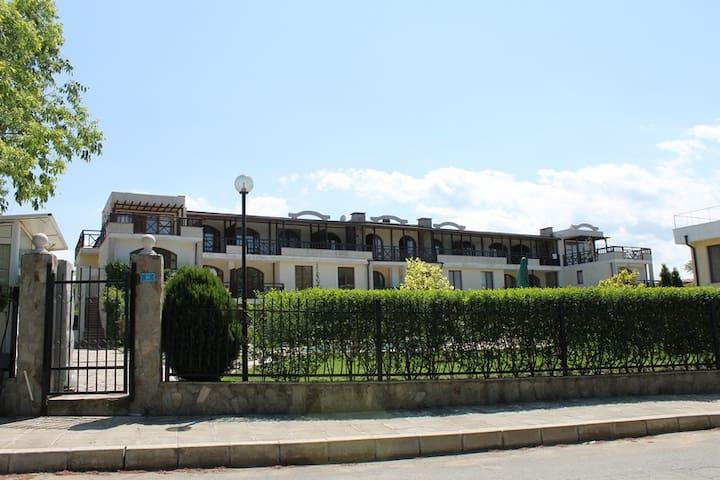 3-комнатная, комплекс Райский залив - Burgas - Lägenhet