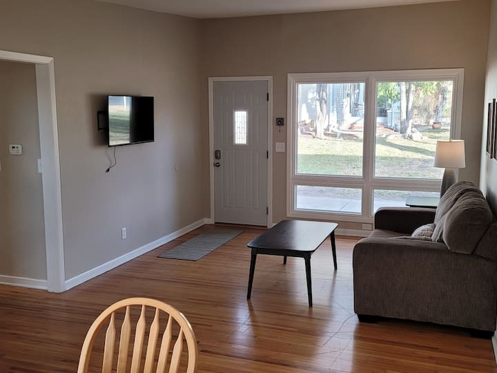 Renovated 2Br Duplex next to Wesley Medical Center