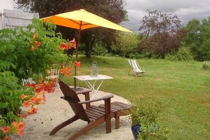 Gîte d'été à 500m des Thermes - Salies-de-Béarn - Hus