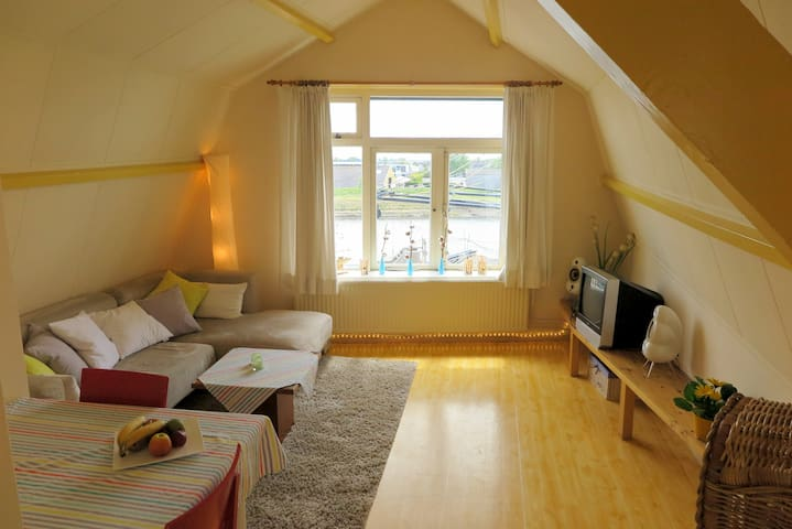 Apartement ZZ 41 at the harbor of Zierikzee