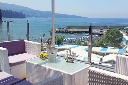 Ischia Apartment with Sea View! - ซอร์เรนโต้