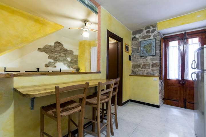 B & B Carruggetto monolocale Giallo - Carloforte - Bed & Breakfast