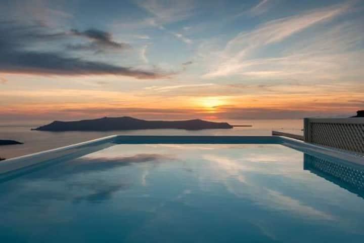 Santorini Honeymoon villa-SPECIAL OFFER