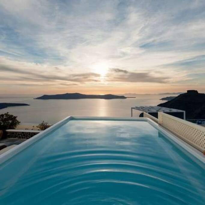 Santorini Honeymoon villa