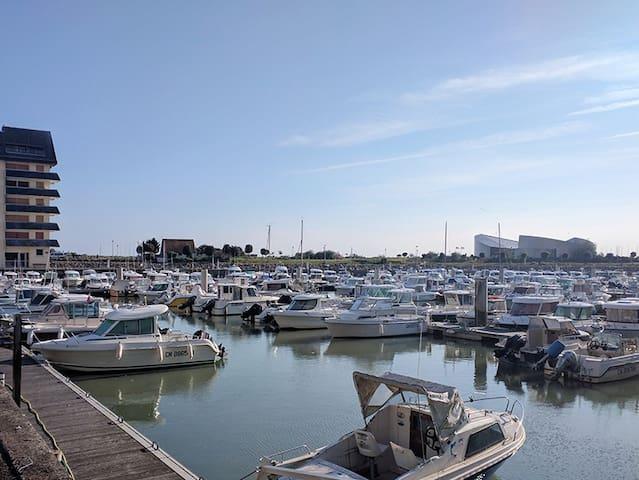 Appartement sur le port de plaisance / Juno Beach
