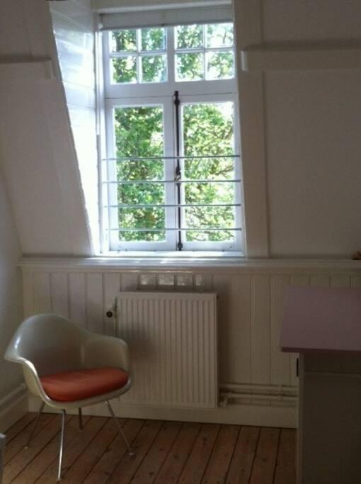 kamer 1, de kleinste van de 3 maar nog steeds ruim genoeg.
