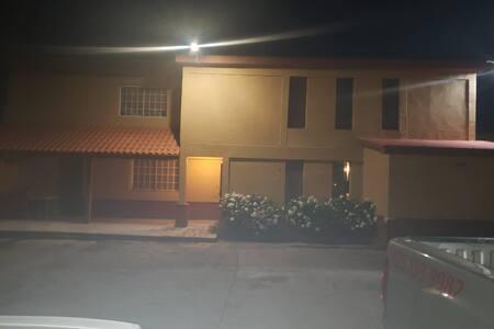 Hermosa Casa Amplia en el Corazón de Madera.