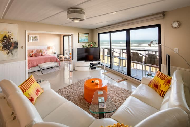 Modern 2 Bedroom Beachfront Condo with Great View