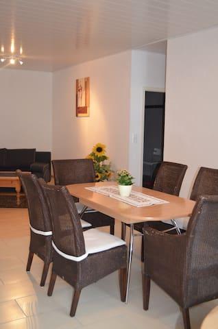 Idyllische Ferienwohnung im Weingut - Westhofen - Apartamento