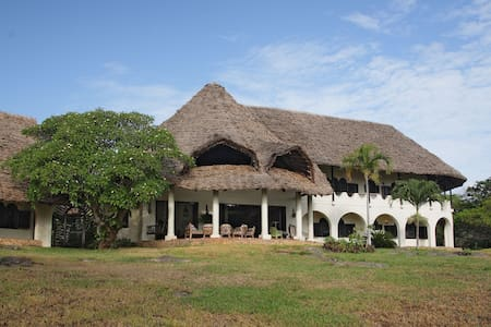 Sandarusi House, Tiwi Beach - Diani - House