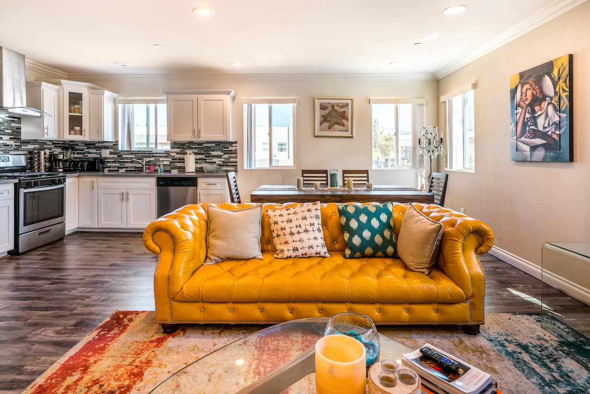 Glamorously Furnished Townhouse in Central Hollywood