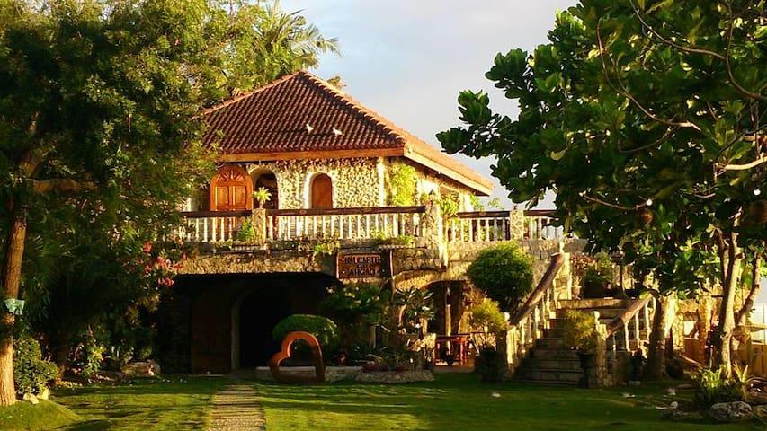 Beach Resort in Baluarte de Argao Cebu - Argao - Bed & Breakfast
