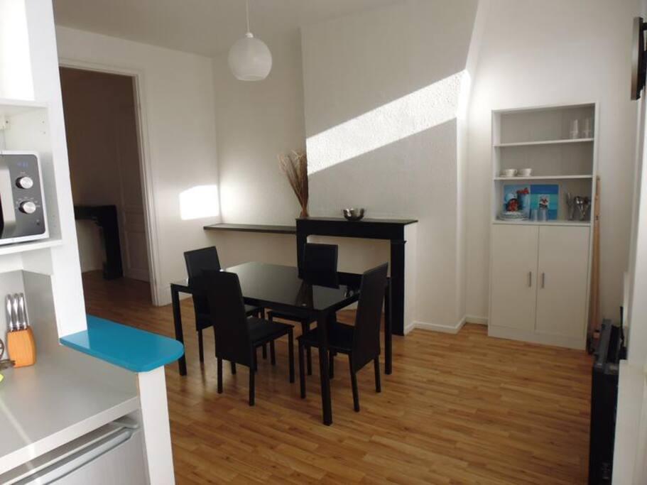joli f3 meubl gare appartements louer dunkerque nord pas de calais france. Black Bedroom Furniture Sets. Home Design Ideas