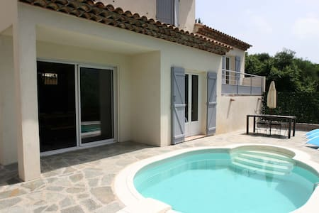 Maison personnelle avec piscine - Saint-Martin-du-Var - Hus