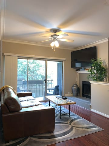 UPTOWN LIVING - Near Katy Trail & AAC