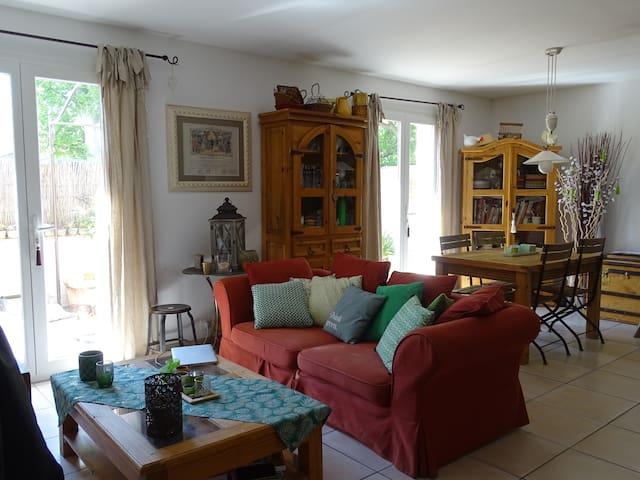 Appartement cosy dans maison de village à Gémenos.
