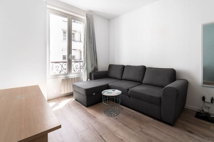 FUNCTIONAL APARTMENT AND COZY - PARIS 18TH