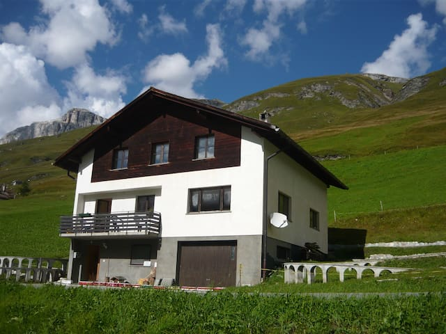 Rooms at St Gall's Alpine Retreat 1 - Avers - Huis