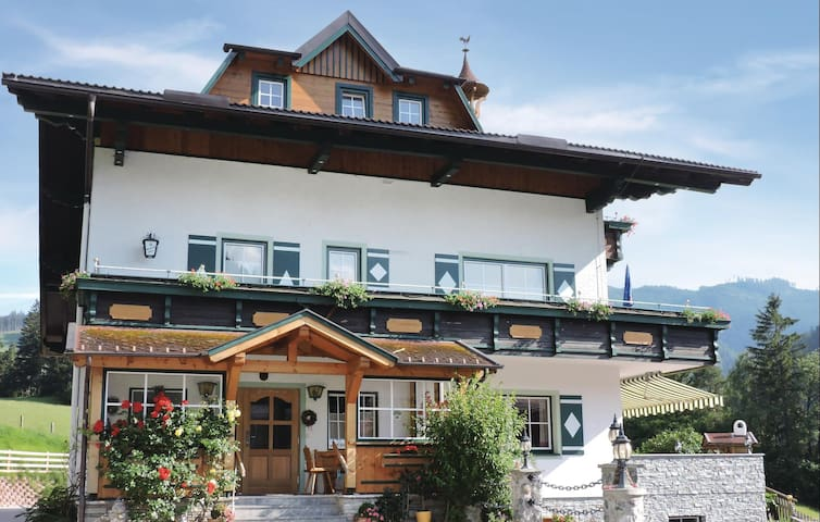 Holiday apartment with 2 bedrooms on 82 m² in Schladming