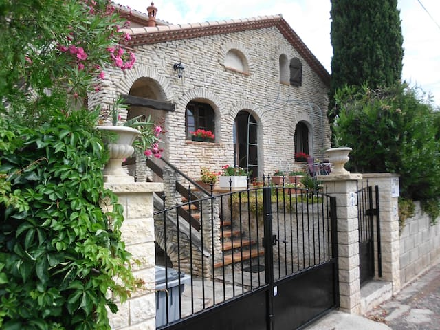 quiet home near Montpellier - Castelnau-le-Lez - Casa